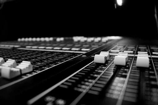 How to Use Synthesizer for Music Production-1